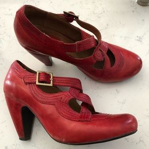 Miz Mooz Red heeled leather criss cross shoes